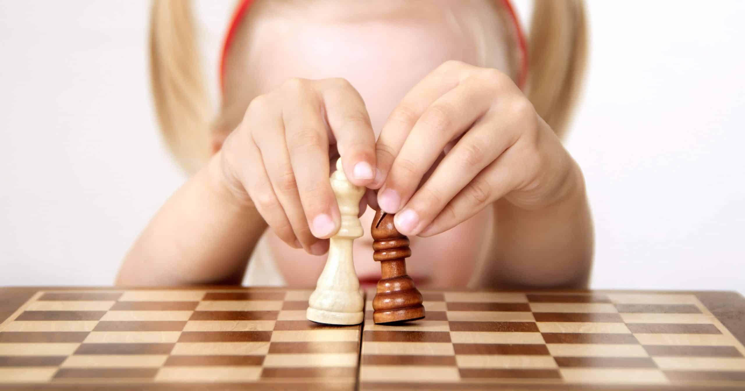 Comment apprendre à l'enfant à trotter?