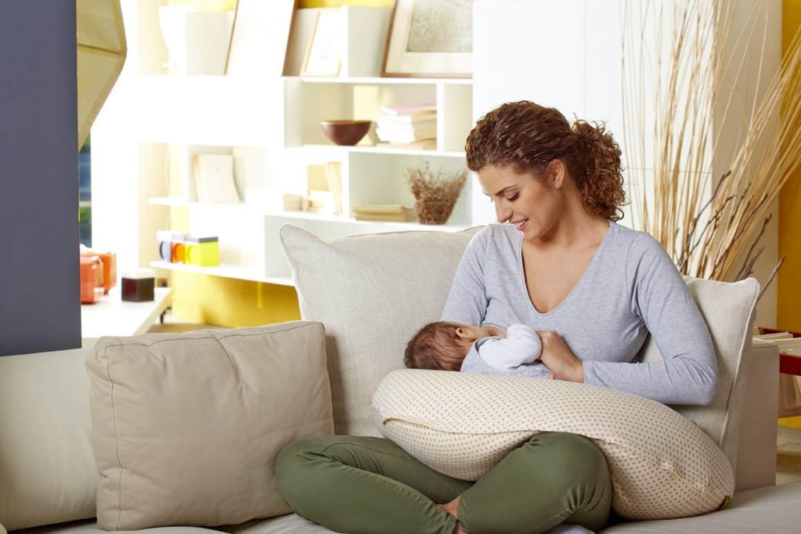 Comment utiliser un coussin d'allaitement?